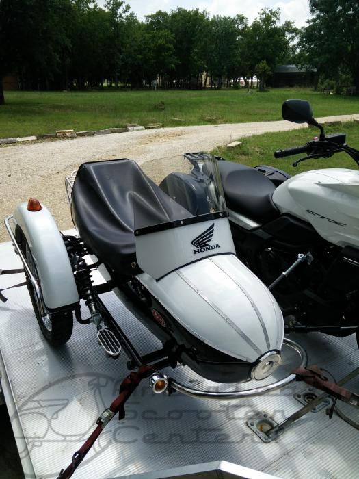 Cozy Enfield Motorcycle Rocket Sidecar - Click Image to Close